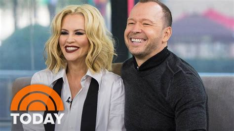 Reality Series Wahlburgers: Jenny McCarthy And Donnie