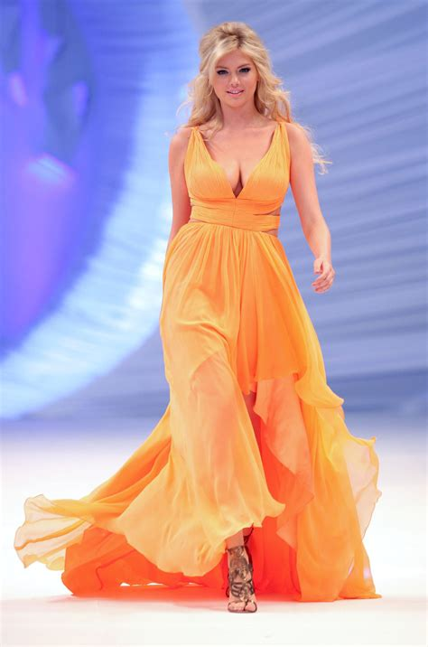 Kate Upton Runway at a Fashion Show in Mexico City